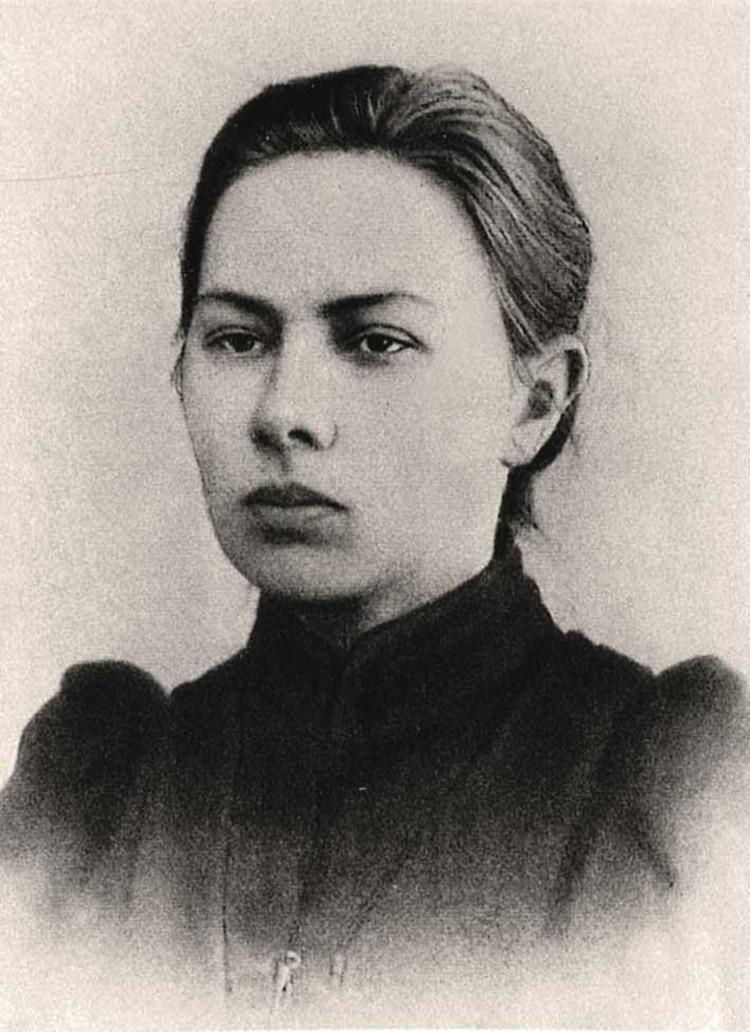 Одна из трёх «революционных муз» Ленина: ставшая женой практичная соратница Крупская.