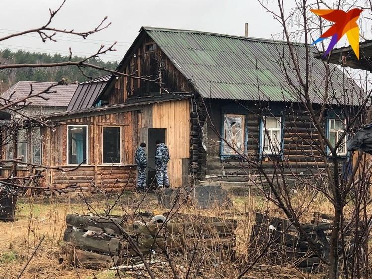 Этот домик боевики арендовали за 5 тысяч рублей.