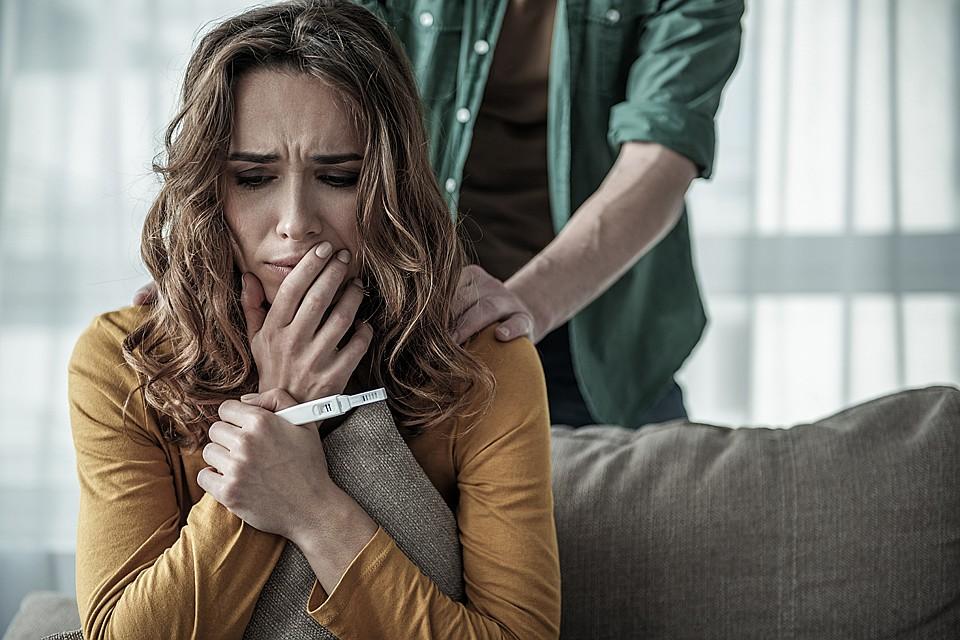 Почему идут на аборт? Какие главные страхи у женщин? В фонде по борьбе с абортами говорят, что первая сегодня причина — нет моральной поддержки Фото: Shutterstock