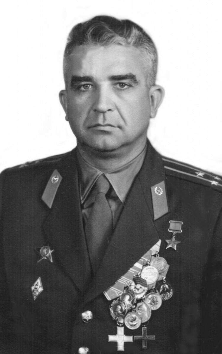 Герой Советского Союза Иван Банов.