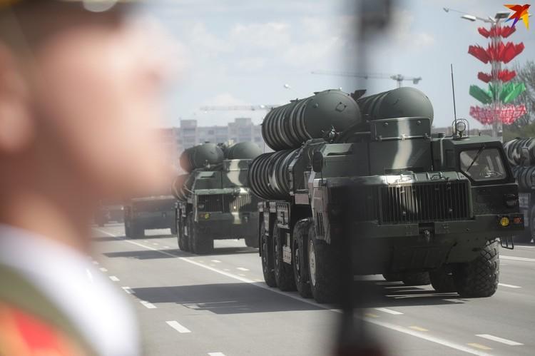 Зенитные ракетные комплексы С-300.