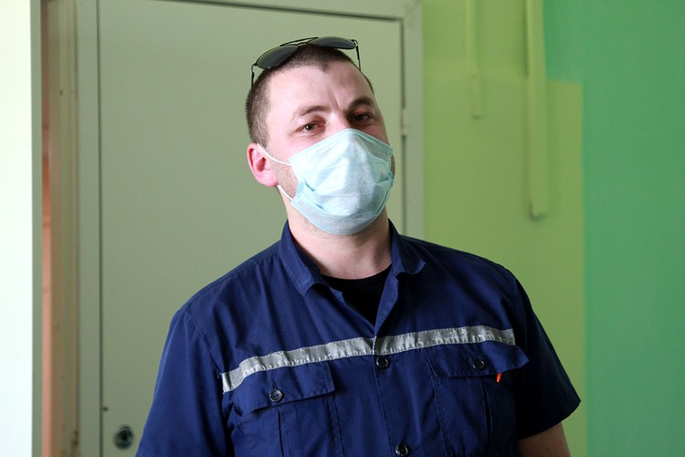"""Фельдшер Андрей Буланов: """"Моя зарплата 25-30 тысяч рублей"""""""