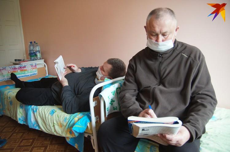 Владимир и Александр вместе лечились от пневмонии, сейчас оба на реабилитации