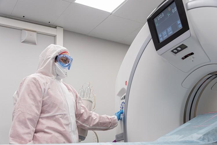 Второй компьютерный томограф больница не может себе позволить