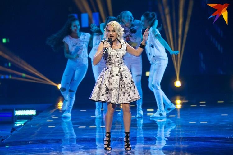 - Шоу-бизнес сейчас в стопе, когда снова появится спрос на концерты - неизвестно, - говорит певица.