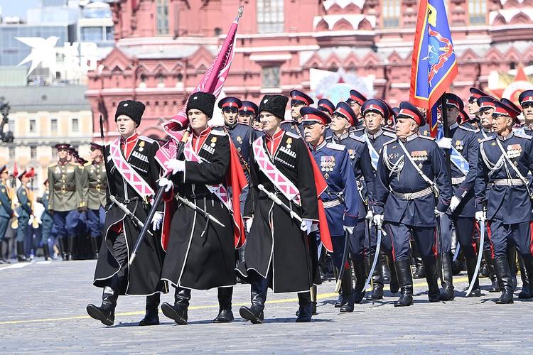 Более сотни казаков Кубанского казачьего войска приняли участие в Параде Победы.