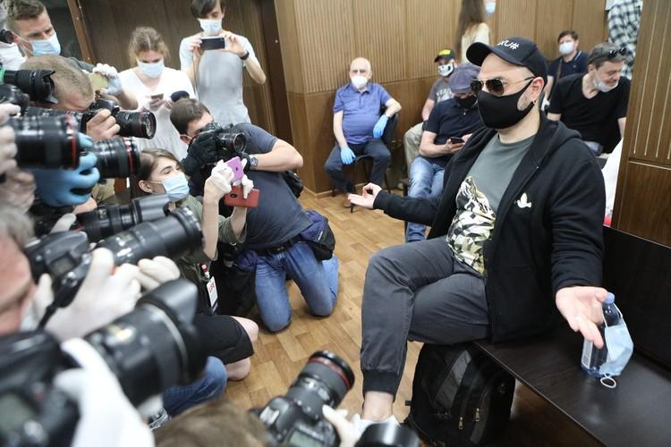 Режиссер Кирилл Серебренников в Мещанском суде перед началом оглашения приговора.