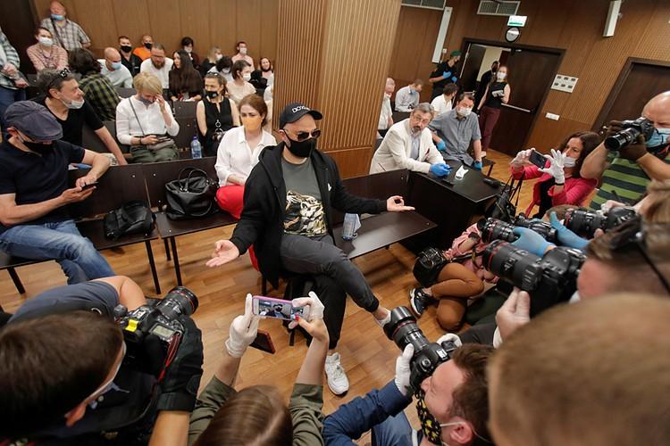 Суд приговорил Кирилла Серебренникова, Юрия Итина и Алексея Малобродского к условным срокам