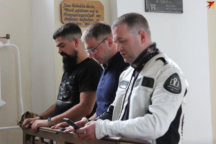 В паломничество в Будслав на мотоциклистах отправились три католических священника. Фото: Артур РОГАЛЬСКИЙ