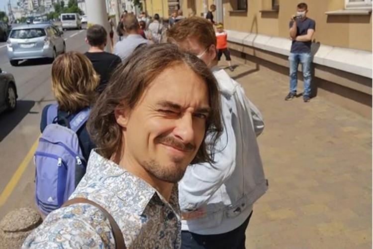 Телеведущий Денис Дудинский сейчас в отпуске. Фото: Инстаграм.