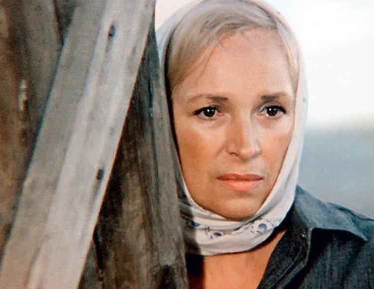 Когда вышел мегапопулярный в СССР телесериал «Цыган», актрисе было почти 55 лет