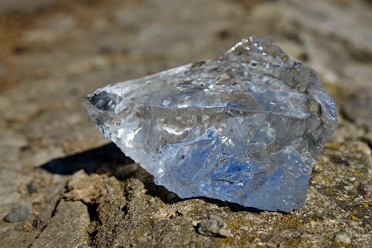 Примерно такие алмазы выпадают градом на Юпитере, Сатурне, Нептуне и Уране