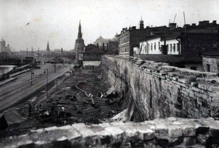 Технические фотографии времен реконструкции Китайгородской стены, 1925-1927 гг. Фото: zaryadyepark.ru