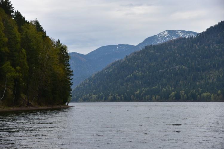 Озеро Телецкое не хуже, да и ехать ближе.