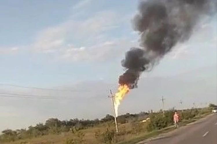 Рабочие повредили трубопровод, связывающий газовые и химические предрпиятия