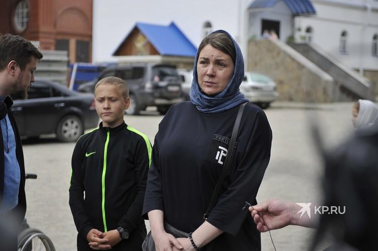 Юлия Гришина работала в школе при монастыре. Утверждает, что над детьми тут никто не издевался.