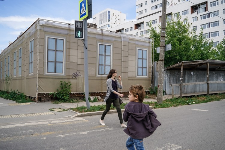 Фальш-фасады — уже много лет привычная картина для Ленинского района