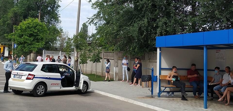 Экзамены по вождению в Кишиневе сдают на новых автомобилях Фото: Наталья СИНЯВСКАЯ