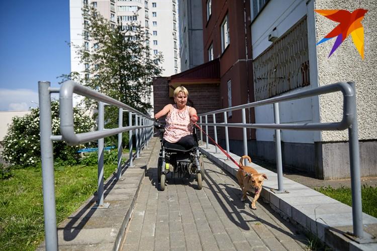 По словам Елены Константиновны, добиваться, чтобы в доме установили хороший пандус, ей пришлось долго.
