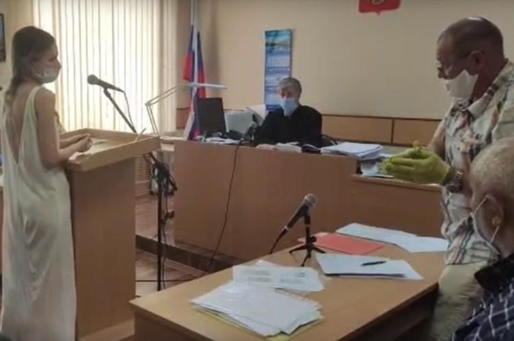 После дачи показаний ни один из свидетелей не захотел остаться в зале суда