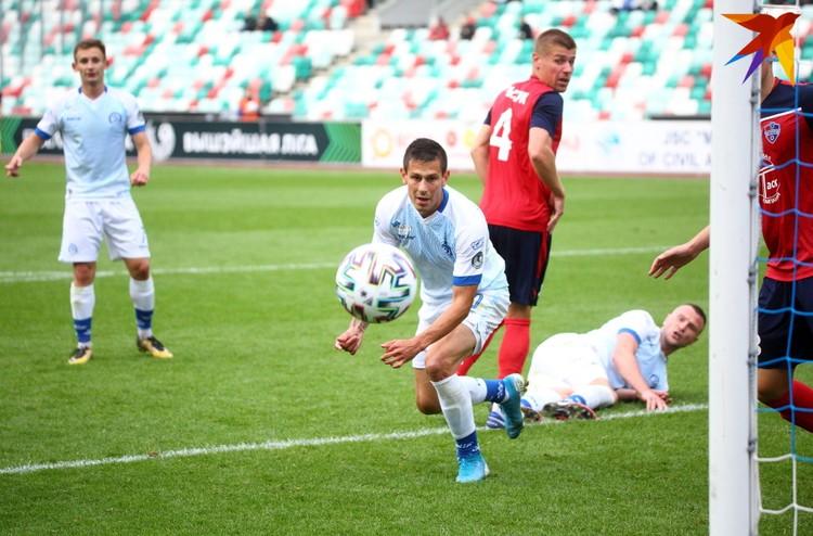 Владимир Хващинский очень хотел отметится голов в этом матче, но тщетно.