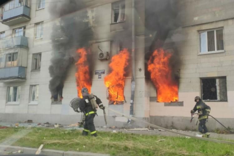 Огонь полыхал на площади всей трехкомнатной квартиры