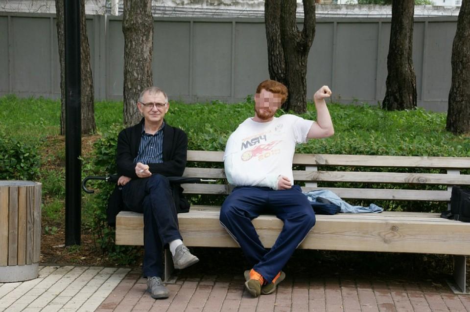 Вячеслав Кузнецов вместе с подозреваемым. Фото: соцсети