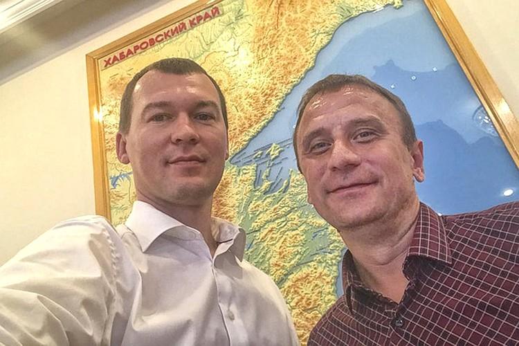 Михаил Дегтярев и корреспондент Комсомолки Владимир Ворсобин.