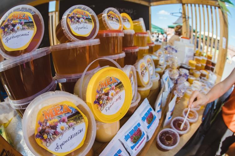 На фермерском фестивале «СВОЁ» продукция КФХ «Медолина» пользуется неизменной популярностью. Автор фото: АО «Россельхозбанк»