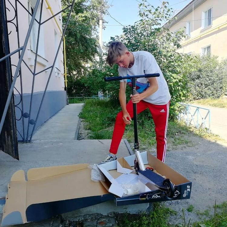 Антон Шипулин узнал о смелом мальчике из соцсетей. Фото: Instagram Антон Шипулин