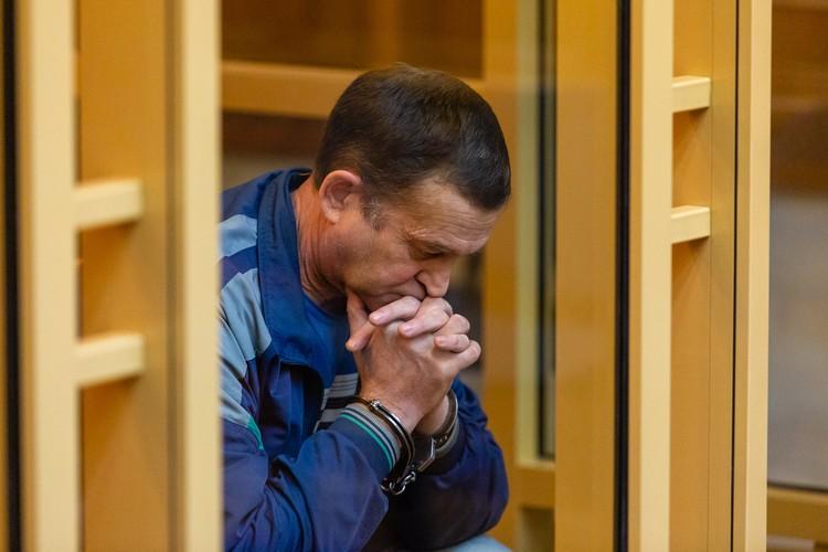 О желании застрелить жену бывший главврач больницы говорил друзьям в день трагедии.