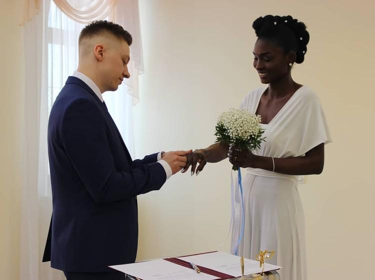 Дмитрий и Рут обменялись кольцами в 2018 году Фото: личный архив
