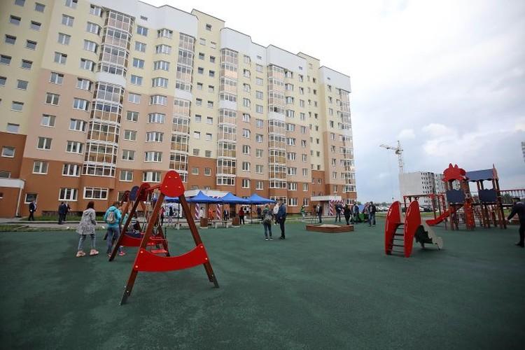 Строительство дома было остановлено в 2017 году. Но в 2019-м работы возобновились. Фото: Департамент информационной политики Свердловской области