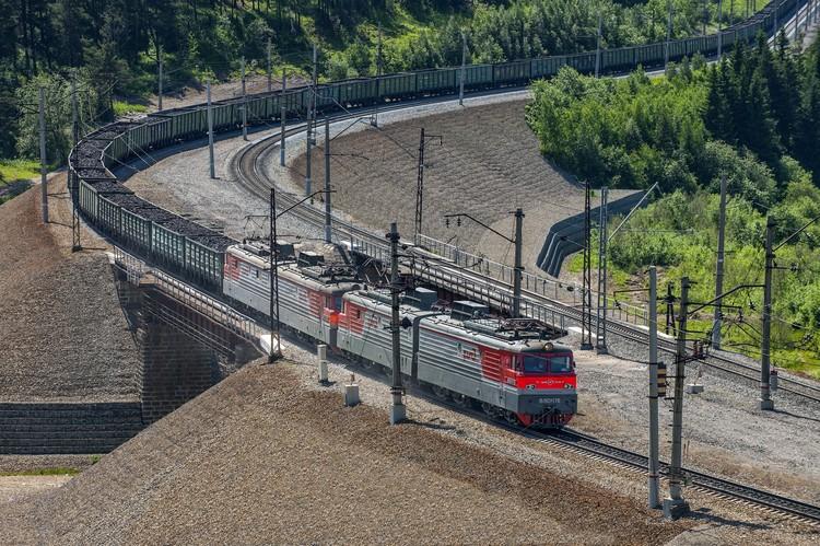 Южно-Уральская железная дорога сейчас входит в число крупнейших отечественных магистралей. Фото: пресс-служба ЮУЖД.