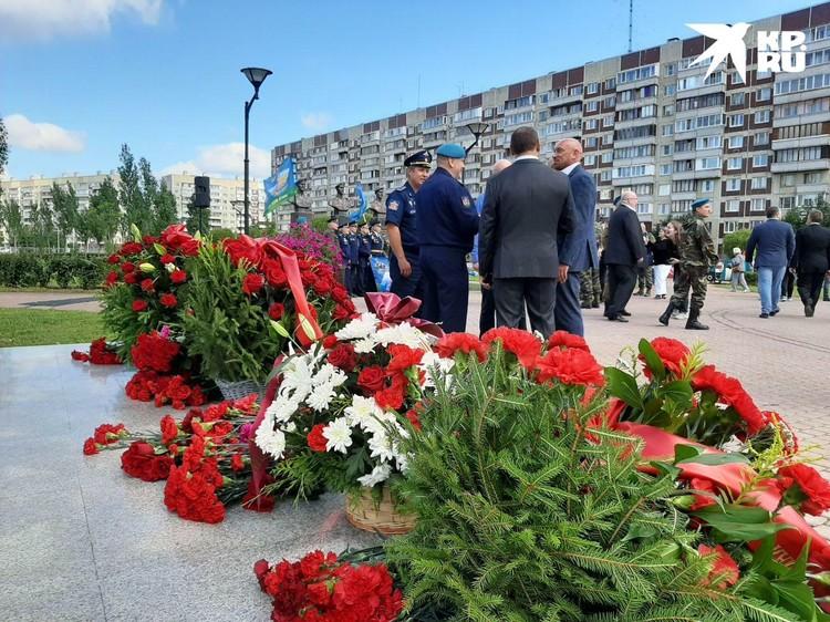 У десантников в этому году сразу две памятные даты: 20 лет со дня гибели 6-й роты и 90 лет с момента основания ВДВ
