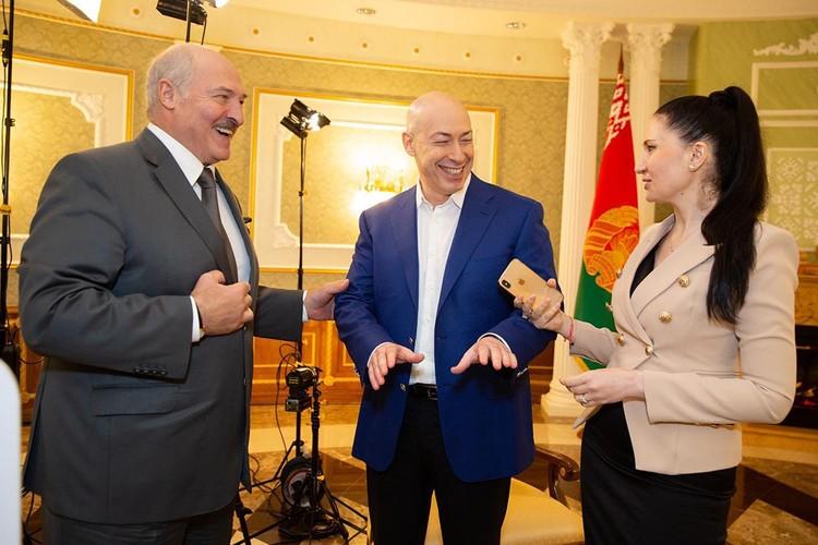 Об отношениях с Путиным и Ельциным, ситуации с Украиной и Абхазией, вагнеровцах и еще о многом другом разговаривал Лукашенко с Гордоном. Фото: instagram.com/gordondmytro