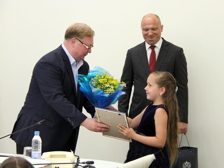 В Минстрое четвертый год проводится детский конкурс «Задай вопрос строителю». Фото предоставлено пресс-службой Минстроя РФ