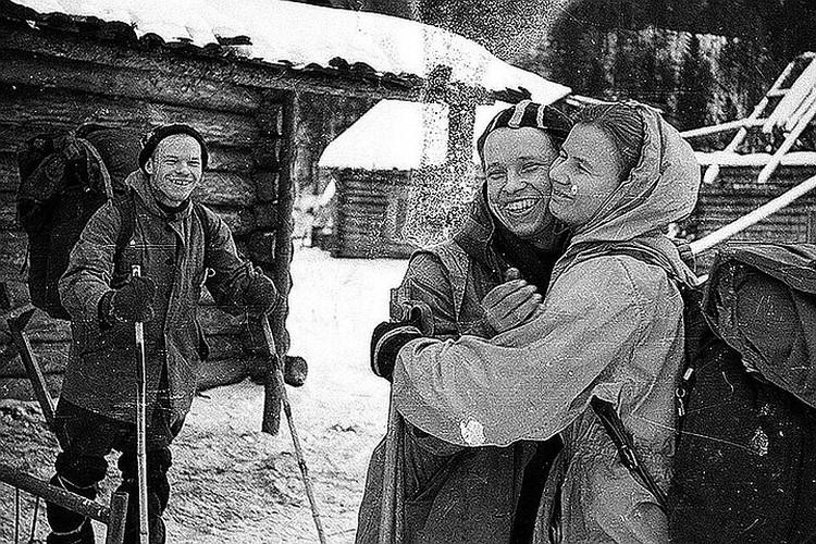 Следствие установило, что часть туристов погибла от холода, но у некоторых обнаружены смертельные травмы непонятного происхождения. Фото: из архива фонда памяти группы Дятлова.