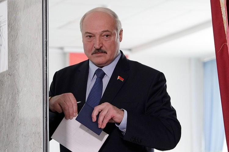 Ближайшее окружение прекрасно знает характер своего патрона и на нем играет. Все эти страсти были разыграны прозападным лагерем окружения Лукашенко
