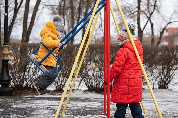 Этот новый год семья отметила с надеждой на то, что все проблемы скоро решатся, но весной стало только хуже