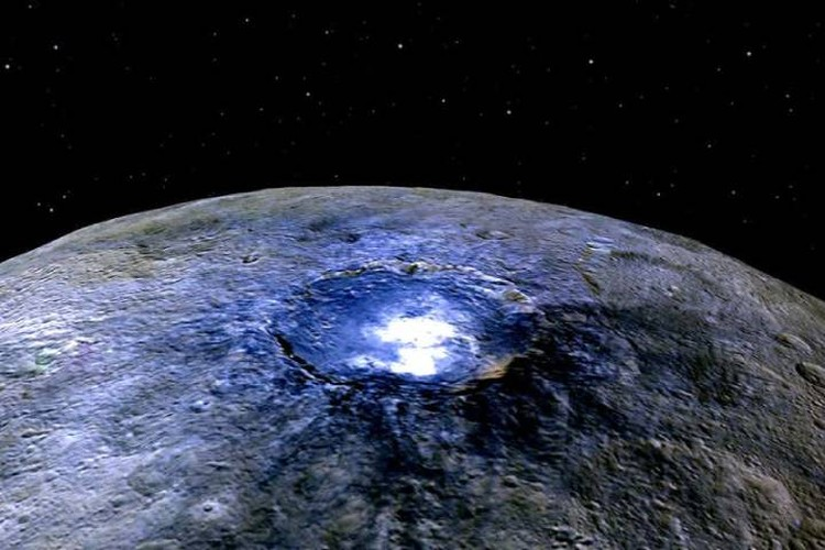 Снимки, сделанные с расстояния в несколько сотен километров, не позволяли идентифицировать яркие объекты на Церере.