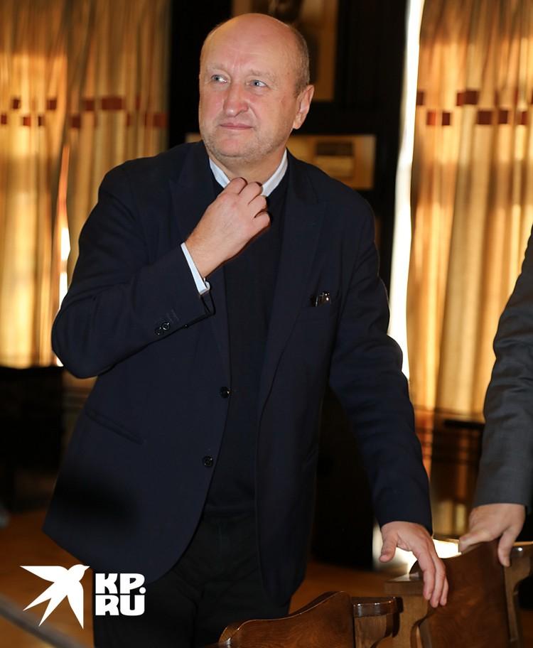 Артисты «предъявили» своему худруку - режиссеру Сергею Женовачу