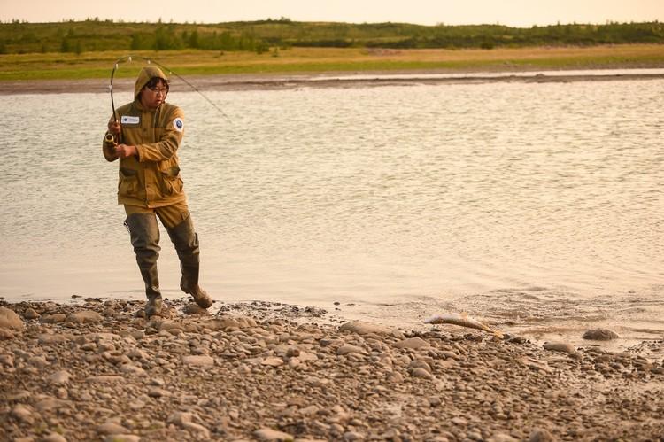 """Рыбу для сугудая ловили сами. Фото предоставлено компанией """"Норникель"""""""