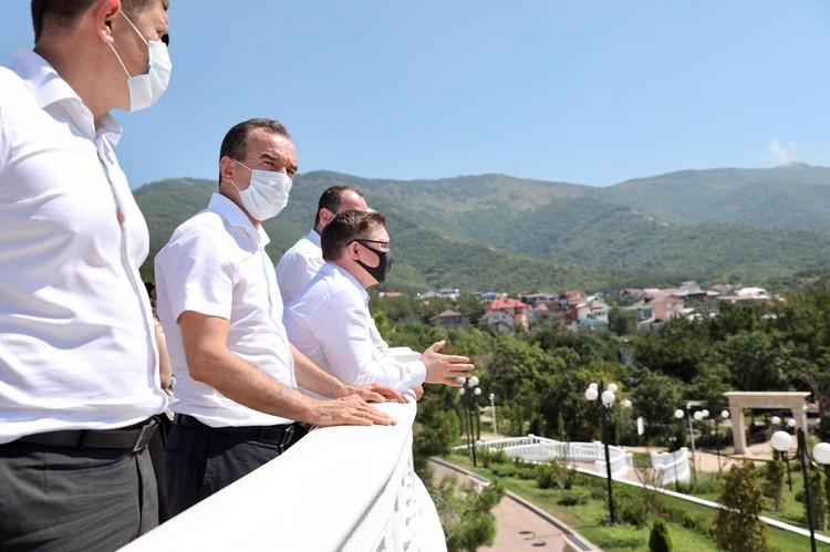 Министр строительства и ЖКХ РФ Владимир Якушев тоже побывал на Кубани и пообещал привлечь федеральное финансирование на решение проблем с водоснабжением курортов