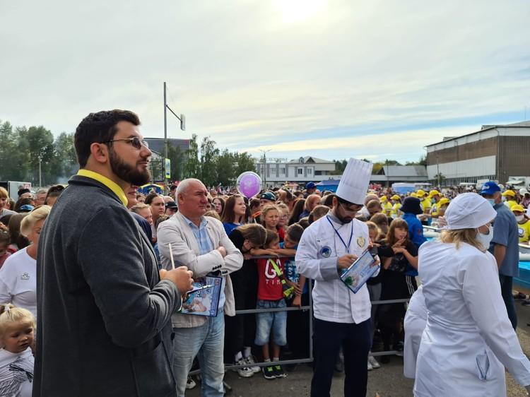 Публика наблюдает за процессом. Фото предоставлено организаторами.