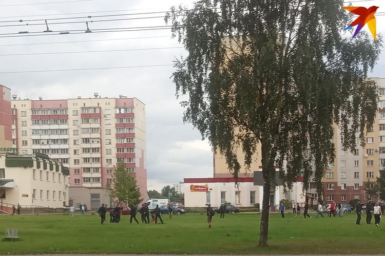 На улице Правды начались задержания.