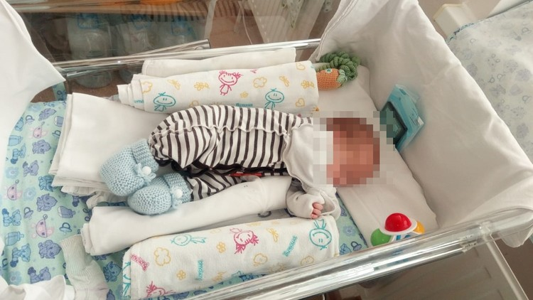 Вес малыша составлял всего 1100 граммов. Фото героя публикации.