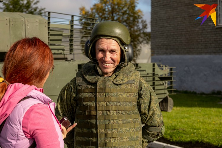 Сержант, механик-водитель танка Т-80 Сергей Старцев стал танкистом по распределению во время призыва.