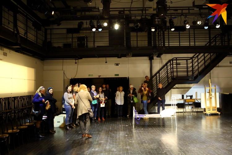 Камерная сцена сразу создавалась как помещение для репетиций, позже там тоже стали показывать спектакли для зрителей