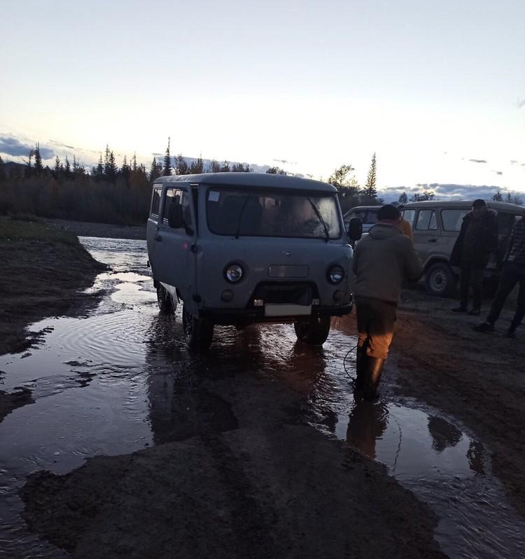 Водитель и пассажиры направлялись в Кызыл Фото: МВД Тувы